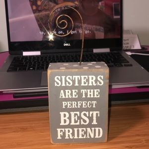 """""""Sisters"""" decor stand"""